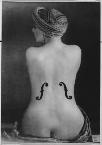 Violon D'Ingress, posed by Kiki 1924